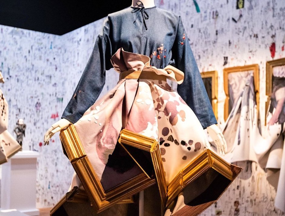 Viktor&Rolf 25 years fashion artists
