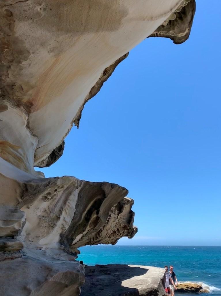 Sydney sandstone rocks