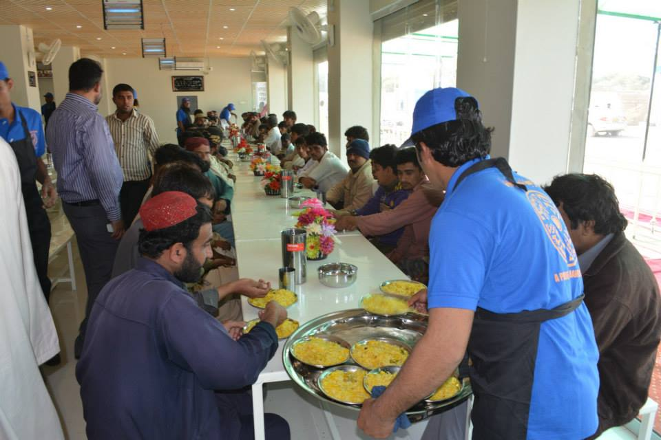 bahria dastarkhwan 1 - Bahria Dastarkhwan: Changing Lives, One Meal at a Time