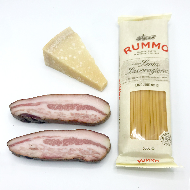 Pasta Carbonara pakket met guanciale, parmagiano Regiano en pasta