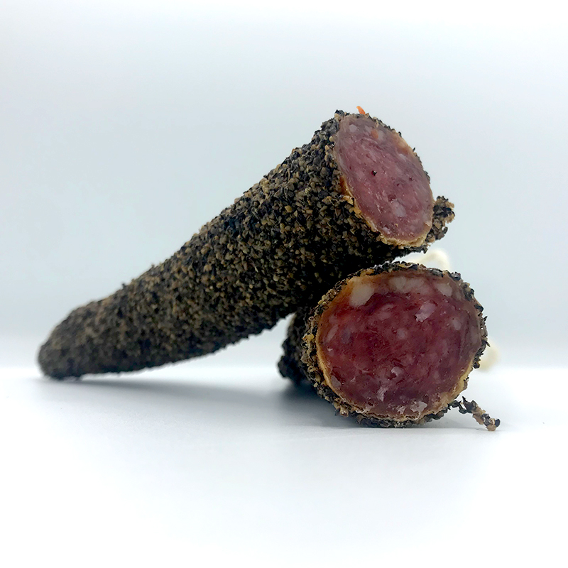 Fuet Pimienta negra spaanse droge worst met een mantel van zwarte peper online bestellen