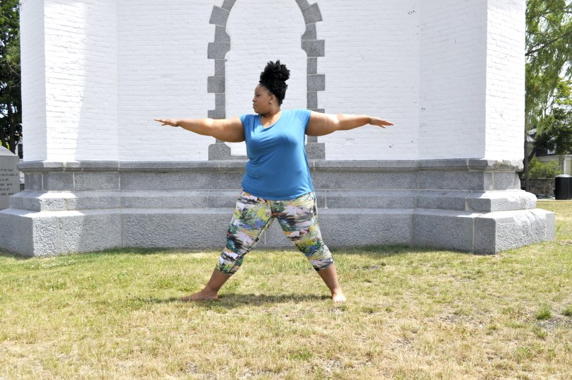 plus size blogger in lucy active wear