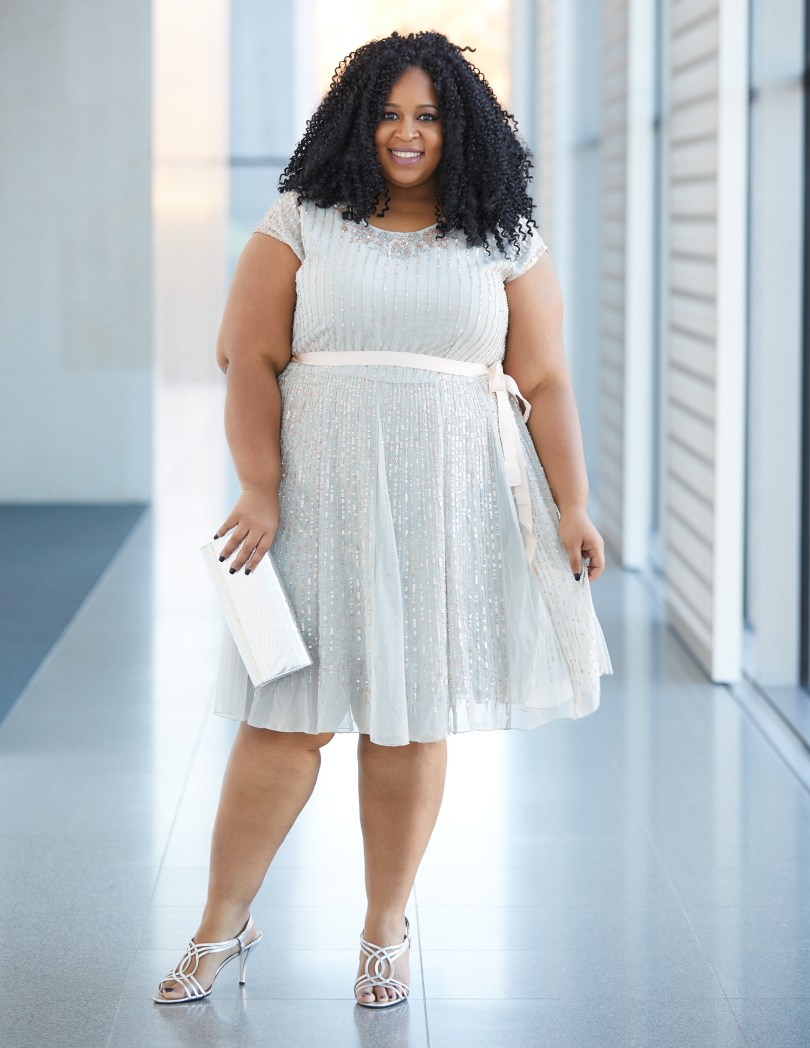 Plus Size Blogger Chardline Wearing Beautiful Plus Size Dress