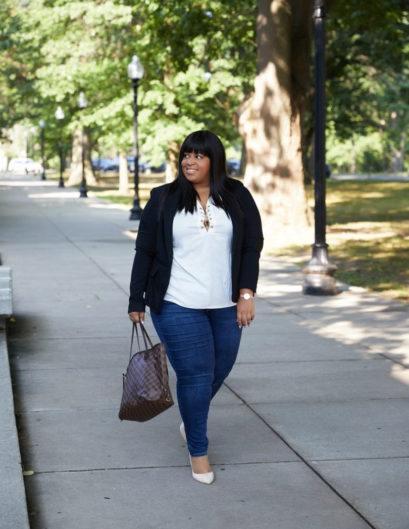 Plus Size Blogger Wearing Lane Bryant Skinny Jeans