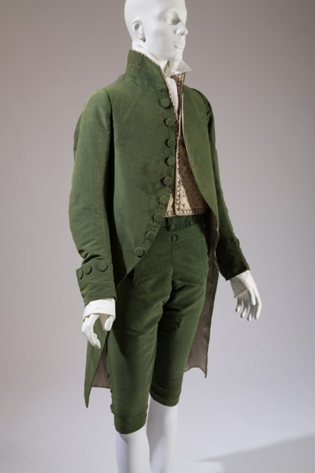 Man's three piece suit, 1790-1800, France. The Museum at FIT, 2010.98.1. Photo courtesy The Museum at FIT.