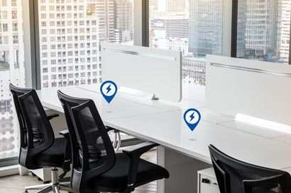 2 Workstations with ChargeSpot