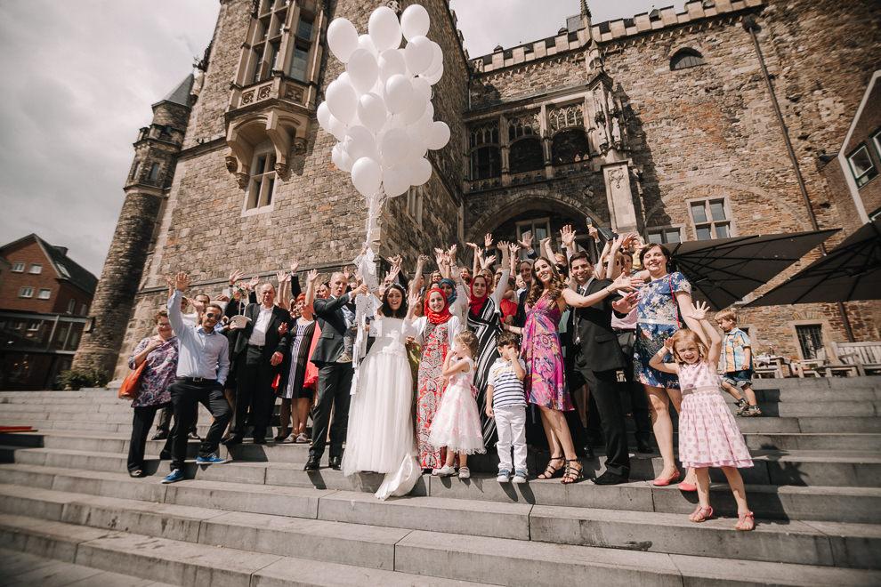 Hochzeitsreportage-Aachen-Hochzeitsfotograf-Aachen-Weisser_Saal-Eskapaden-Houda_Martin0081