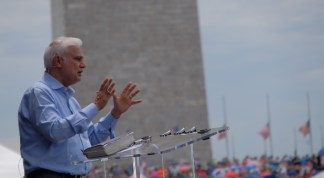 Crawford Loritts on How Ravi Zacharias' Humility Won Many to Christ