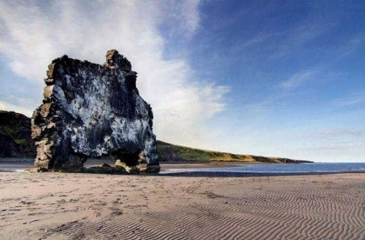 Mysterious Hvitserkur Shaped Rock in the Gulf of Hunafloui 4