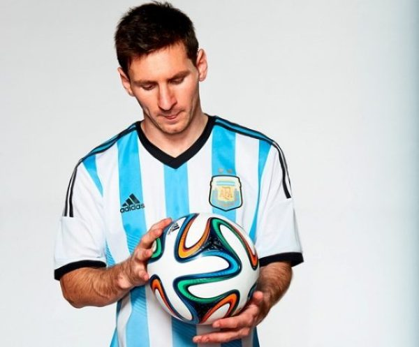 Adidas Brazuca Unveiled as 2014 World Cup Official Match Ball 6_resize