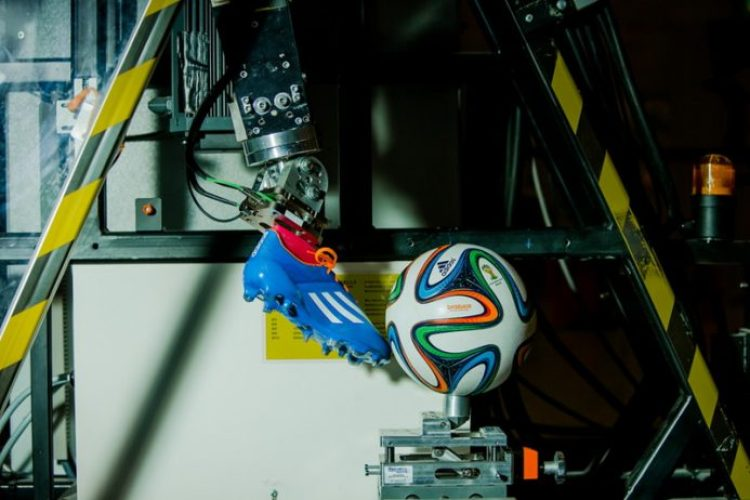 Adidas Brazuca Unveiled as 2014 World Cup Official Match Ball 7_resize