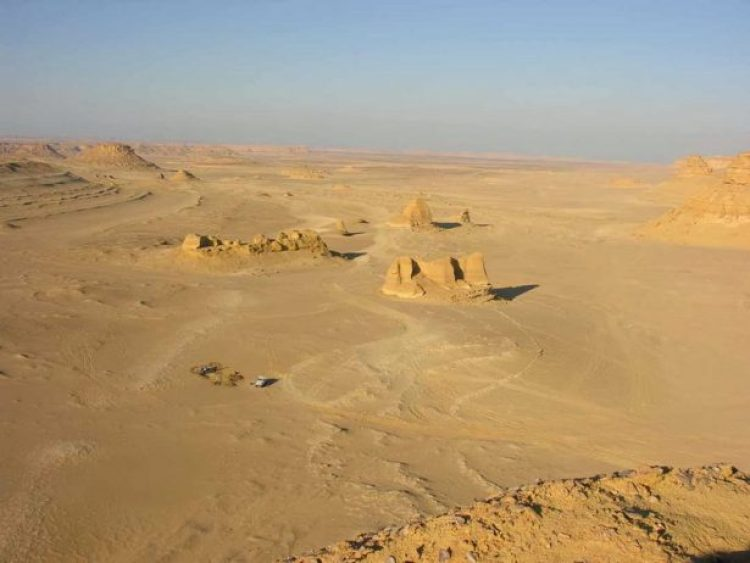 Wadi Al-Hitan (Whale Valley) Egypt8_resize
