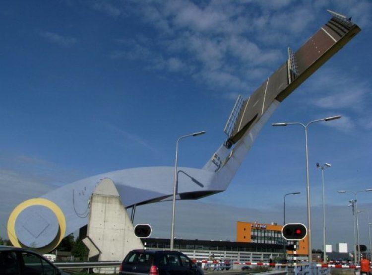 slauerhoffbrug-leeuwarden-netherlands-slauerhoff-flying-drawbridge-2
