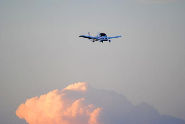 terrafugia-flying-car-public-flight-03