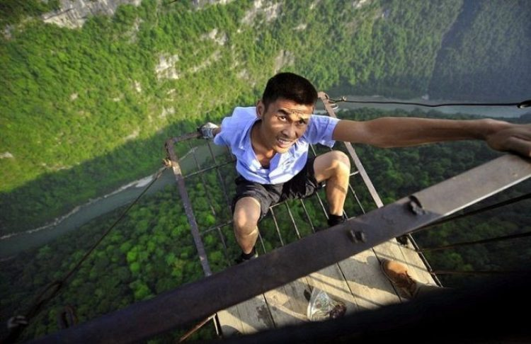 China Village is connected with Outside World by Dangerous Ropeway5