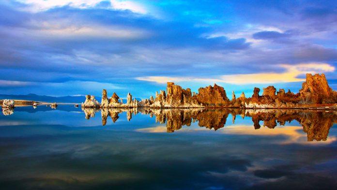 Falling Water Hd Wallpaper The Majestic Natural Mono Lake Of California Usa