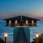 Incredible House in Australia Seems Floating Above the Sea