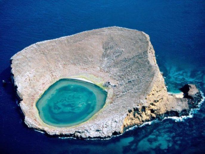 blue-lagoon-haas_1336_990x742