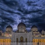 Abu Dhabi's Sheikh Zayed Grand Mosque: A Masterpiece of Islamic Architecture