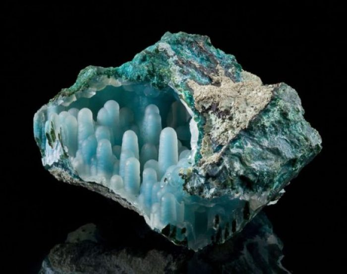 Chrysocolla in Malachite