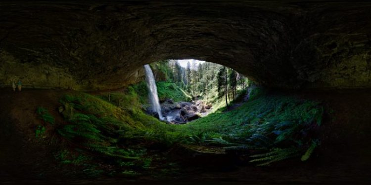 I love visiting Silver Falls State Park, and my favorite part is going behind the North Falls. Right here at the center of the curve behind the falls it is so loud that I could not hear the shutter clicking (which is really saying something with the Canon shutter). I had to put my ear right on the camera to make sure the entire bracket sequence fired.
