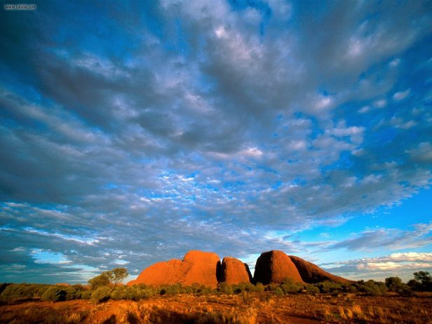 Wallpaper Falling Water Kata Tjuta A Group Of Large Dome Formation In Central