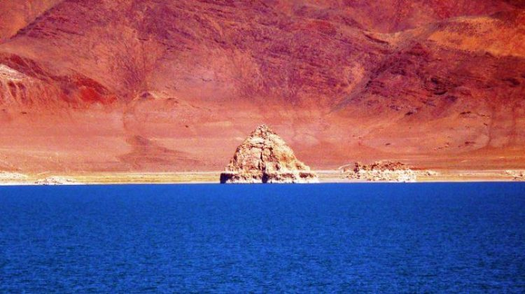 The stunning Pyramid Lake covers 125,000 acres, actually one of the largest natural lakes in the state of Nevada