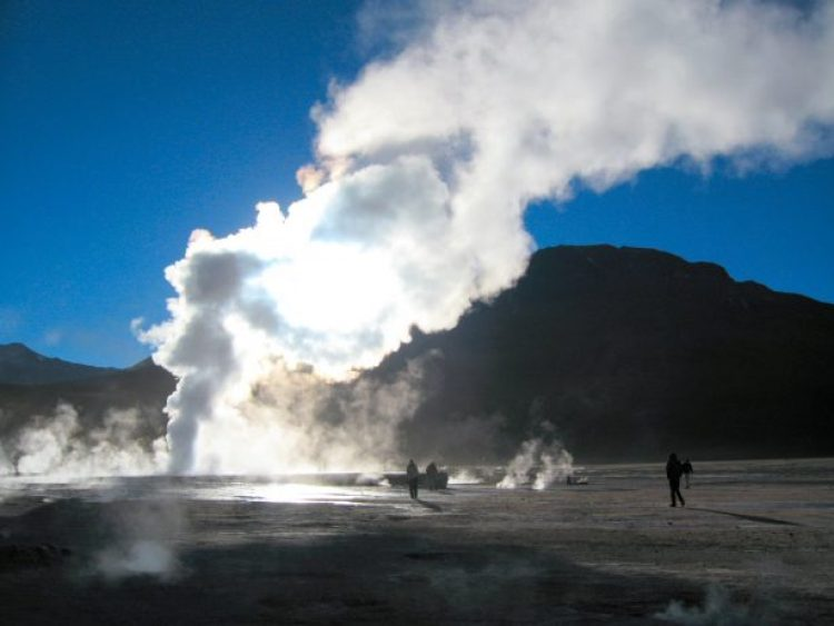 El Tatio is controversial, because this site is a popular tourist attraction, and receives more than 100,000 visitors per year