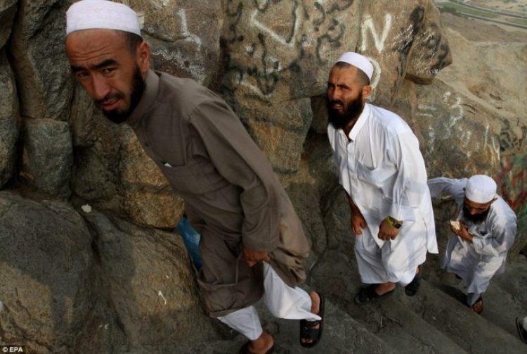 Muslim pilgrims arrive at the Hira cave near the top of Noor mountain, known in Arabic as Jabal-al-noor