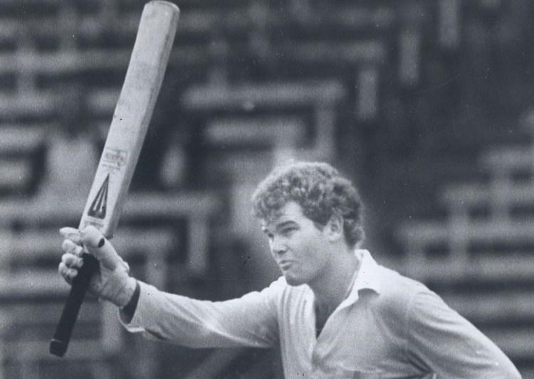 1983 file picture of Martin Crowe acknowledging the crowd after making a century
