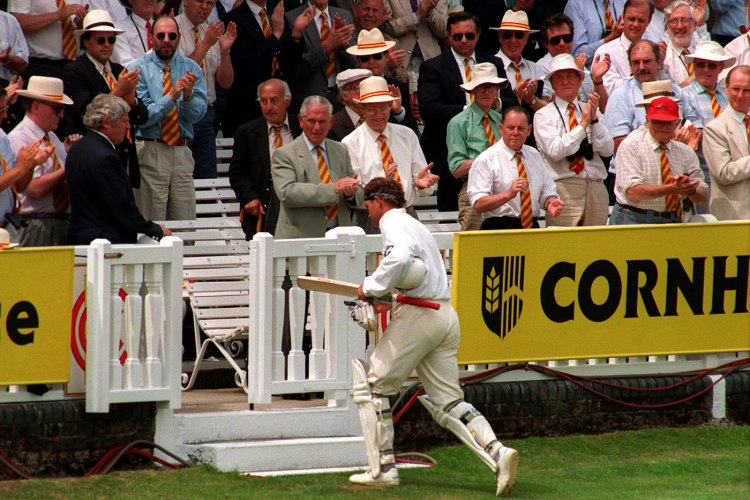 Martin Crowe returns to the pavilion, Lord's, 1994