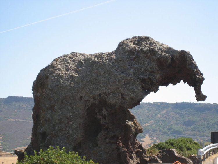 it also has archaeological impact as it contains two 'Domus de Janas' - a type of chamber tomb found in Sardinia.
