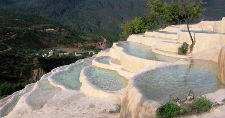 The beautiful terraces, just like waving clouds and white snow, the silver terraces stretch for miles, as clear as crystal,