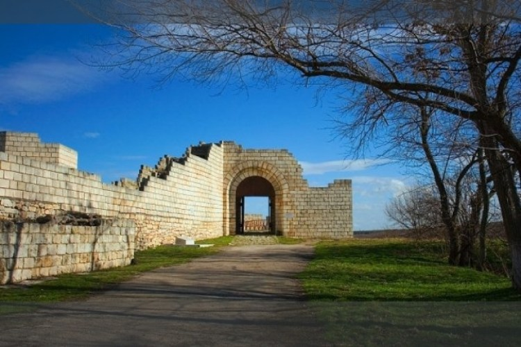 These days, Shumen Fortress has converted into popular tourist destination along with open air museum.