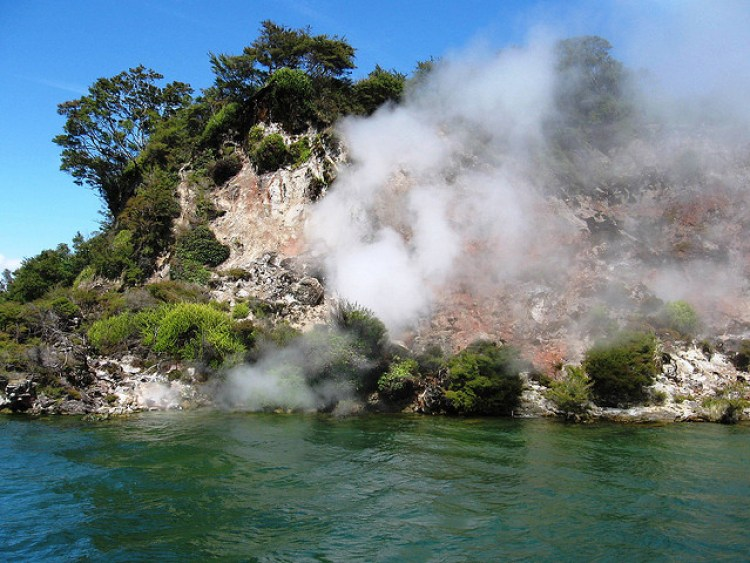frying pan lake new zealand Waimangu volcano volcanic 7