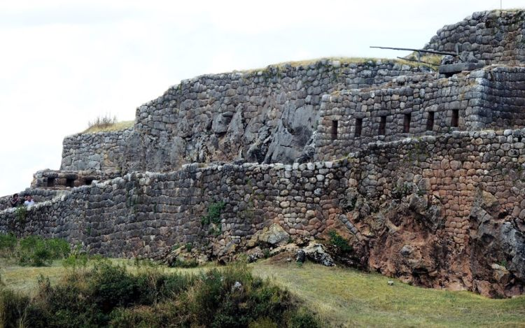 The fortress purpose to defense of Cusco in particular and the Inca Empire in general.