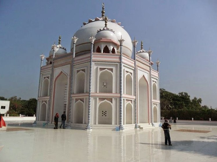 However, same marble and stone has used in Replica of Taj Mahal as same in the original Taj. The Replica was made with latest machinery, took less time. Otherwise it would have taken more than 20 years.