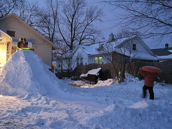 Backyard Snowboard Ramp build a diy snow ramp