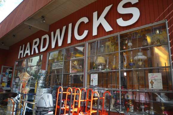 hardwicks-seattle-diy-city-guide.jpg