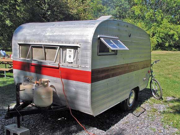 small-space-trailer.jpg