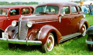 Nash_Ambassador_Six_4-Door_Sedan_1937