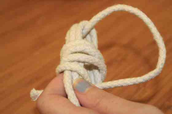 DIY Monkey Fist Knots for Wedding Decor - Charleston Crafted