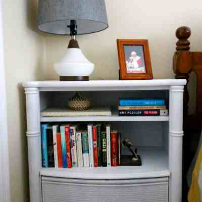 Simple Side Table Makeover with Spray Paint