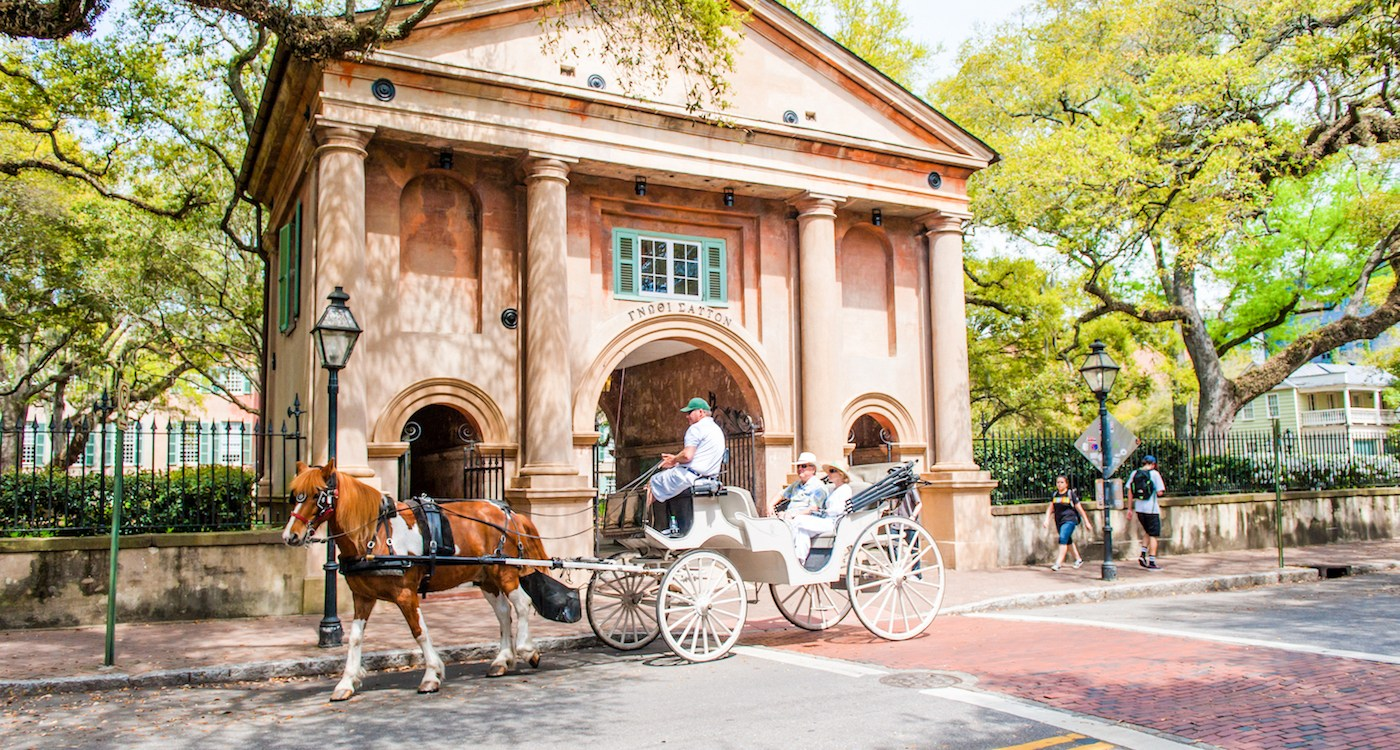 6 Surprising Facts You Might Learn on a Charleston Carriage Tour