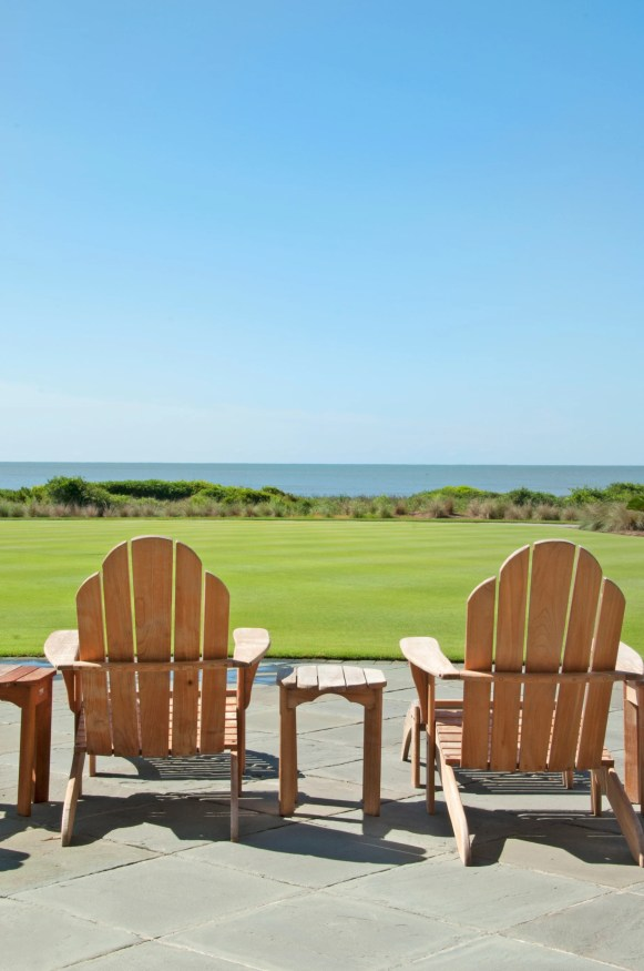 HEAD DIRECTLY TO THE LAWN of The Sanctuary at Kiawah Island Golf Resort and have a seat on an ocean-facing Adirondack chair. Feel the sun on your face, hear the waves in your ear, and breathe in fresh air. Ahhhh…. Total relaxation has begun.