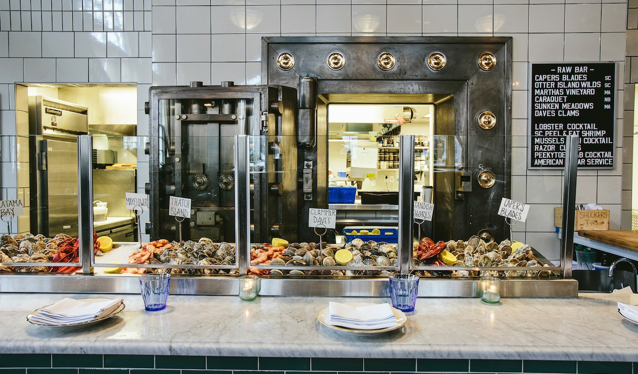 TheOrdinary_Oysters_ExploreCharleston_Andrew Cebulka_4