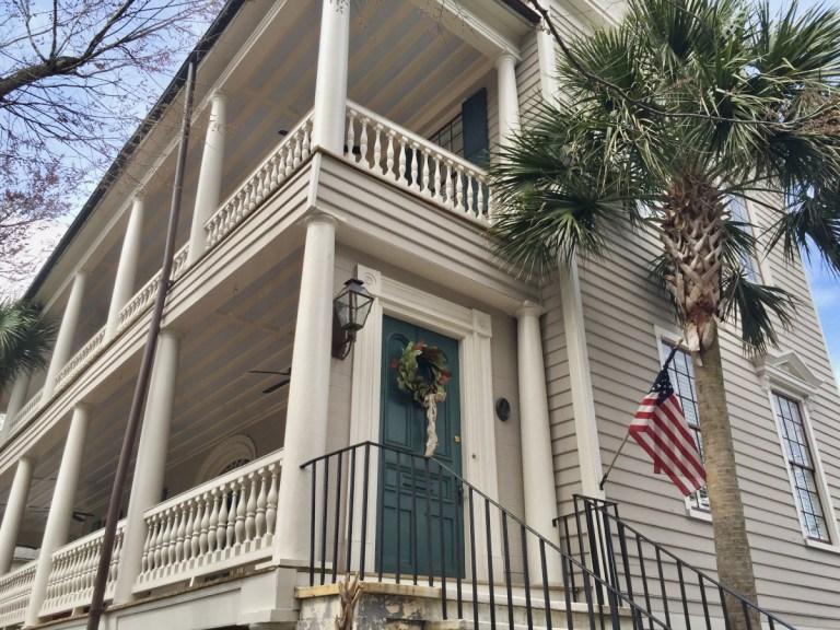 Street view of a Charleston Single House in Harleston Village