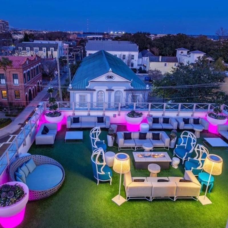Élevé Rooftop Lounge in Charleston