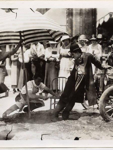 Charlie Chaplin  A Days Pleasure
