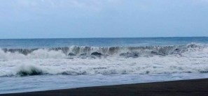 Good waves from last night's storm!